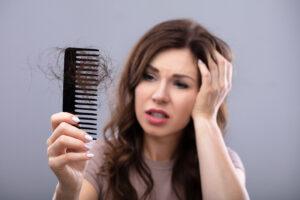 Si te preocupa la caida del cabello ven a Farmacia Santa Aurelia
