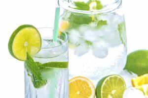 Ante una ola de calor es conveniente hidratarse